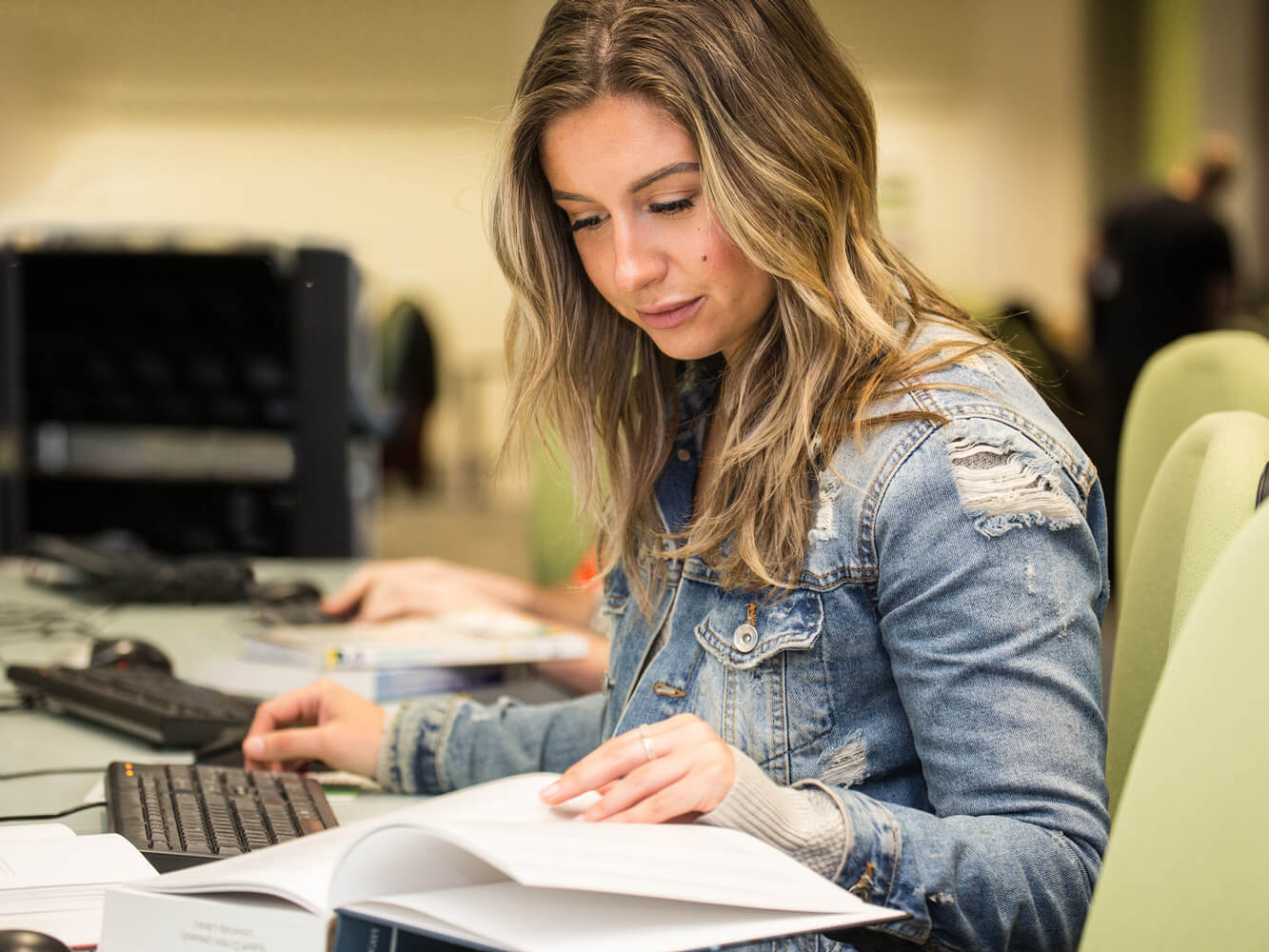 It is crucial to answer the question whether a suggestion course can be helpful in preparing for CELPIP. It is well known that the English language exam
